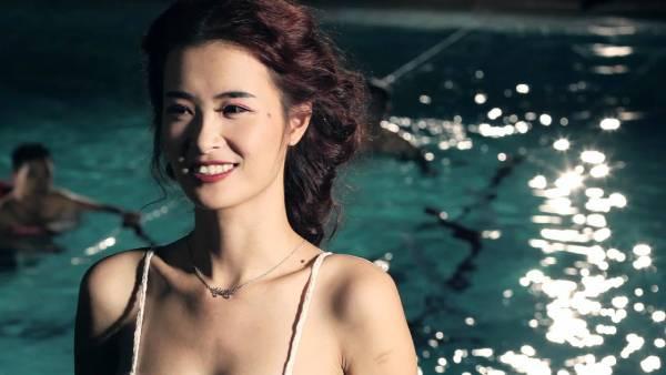 """""""Choáng ngợp"""" với loạt MV tiền tỷ của Đông Nhi"""