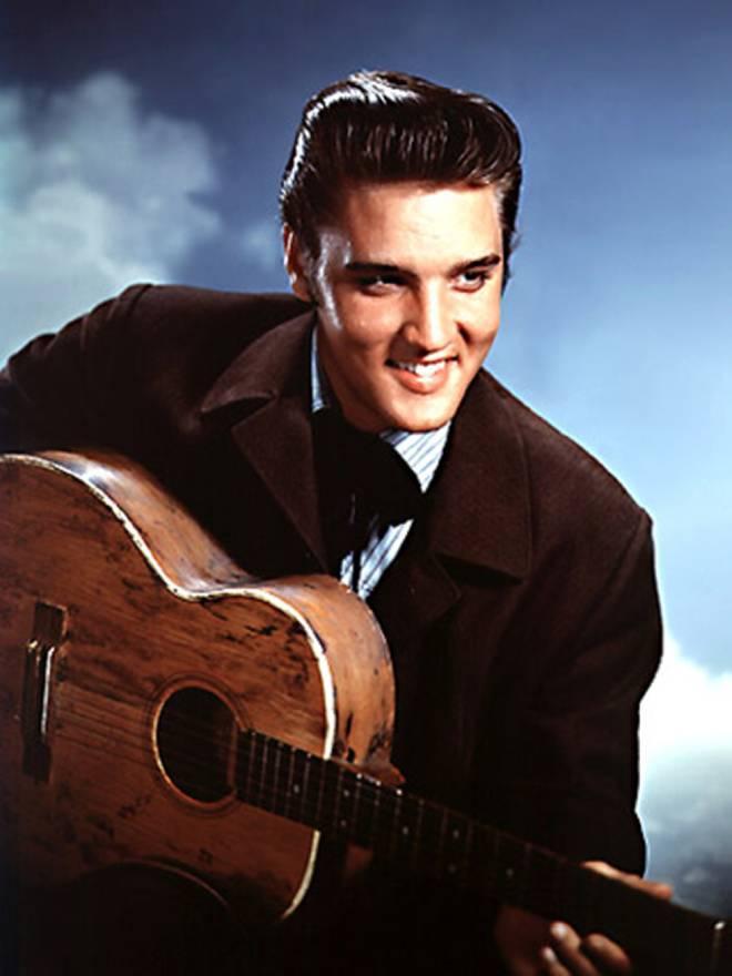 Đấu giá kỷ vật vua Rock Evils Presley thu về gần 1 triệu đô