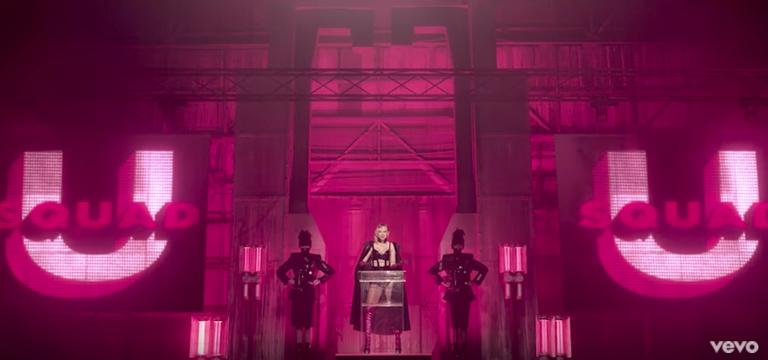 """Phải có đôi mắt cú vọ, bạn mới nhận ra hội bạn thân của Taylor Swift cũng """"lên sóng"""" trong MV mới"""