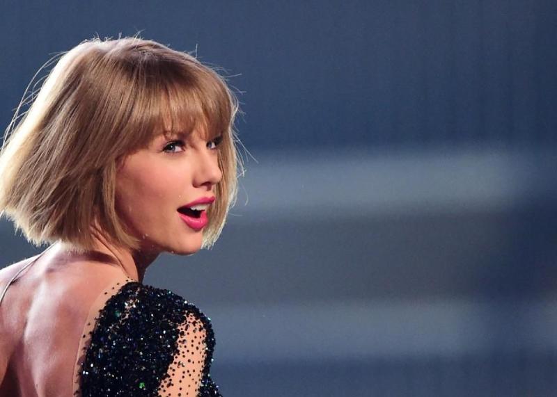 Đen tình nhưng Taylor Swift vẫn vô địch trong khoản kiếm tiền