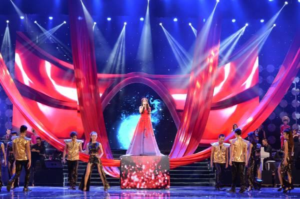 Những sao Việt mạnh tay chi 'tiền tỷ' làm liveshow dù biết lỗ
