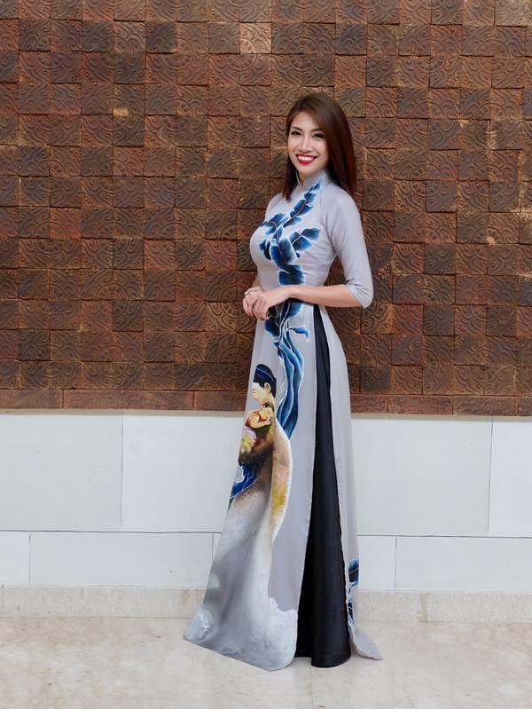 Pha Lê diện áo dài, nổi bật tại Liên hoan âm nhạc truyền hình Châu Á
