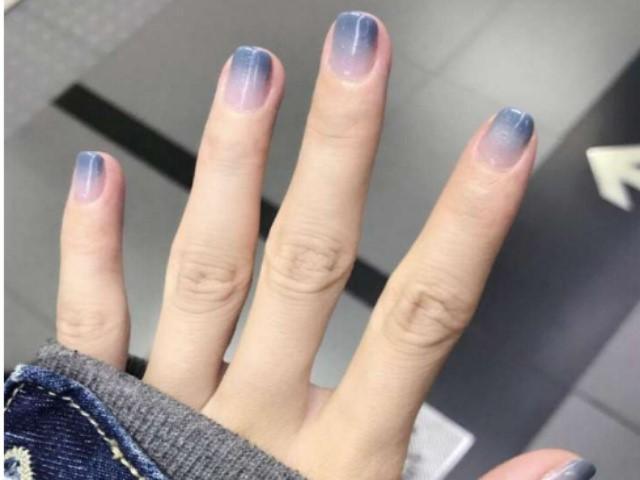 Làm nail màu ombre độc đáo