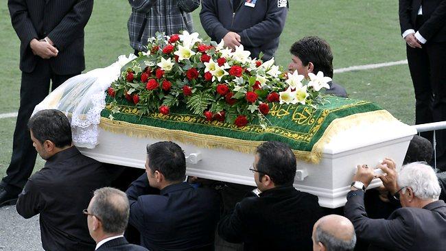 Mơ thấy đám tang người thân còn sống