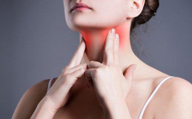 Đừng hát nếu bạn đang bị sưng dây thanh quản hoặc có dấu hiệu xuất huyết