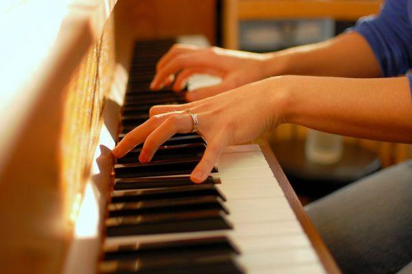 Chọn đàn theo phong cách người chơi