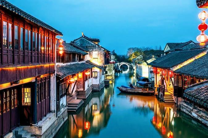 Người ta thường đi thuyền buồm ở Tô Châu