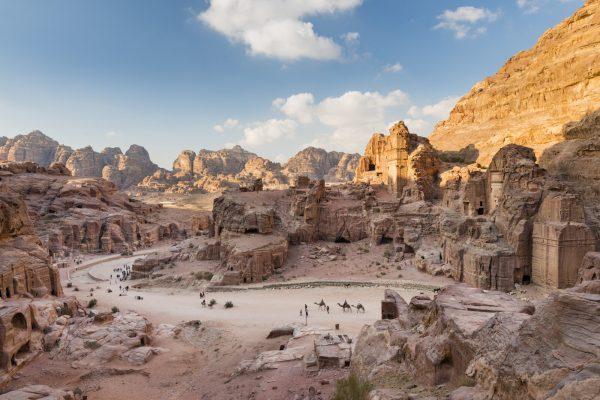 Petra, Jordan, là một trong bảy kỳ quan của thế giới.