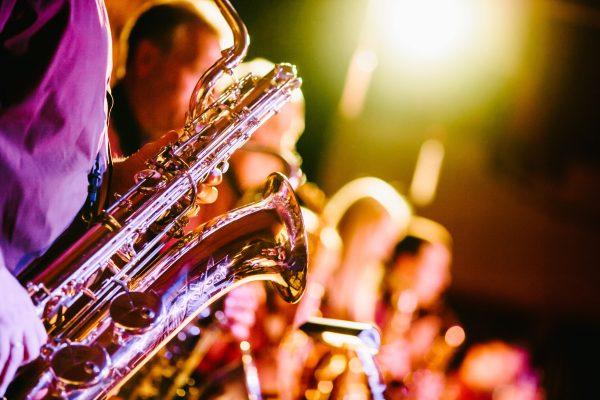 Xem các buổi trình diễn Jazz là một trong những cách hay và hiệu quả giúp bạn hiểu rõ hơn về Jazz