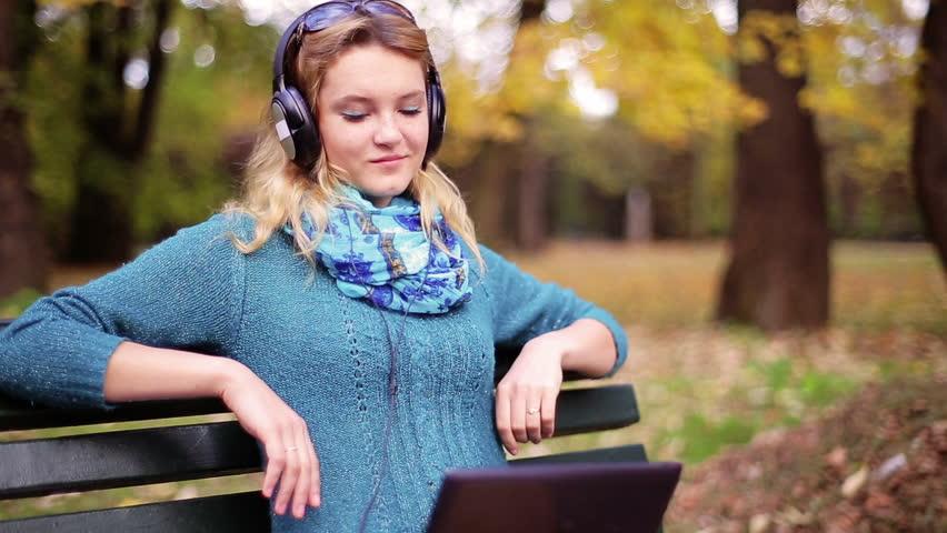 Học tiếng anh qua bài hát mọi lúc mọi nơi