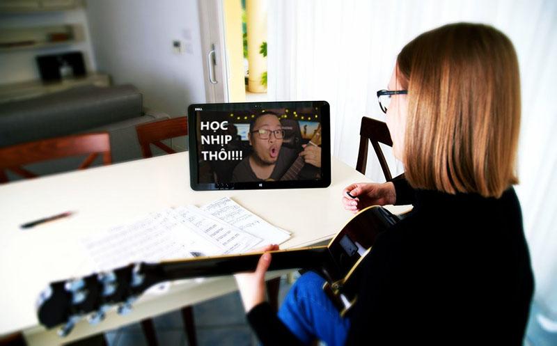 Tự học đánh đàn guitar online đệm hát hợp âm từ cơ bản đến nâng cao tốt nhất hiện nay dành cho người mới bắt đầu