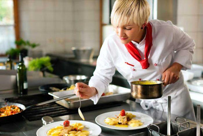 Dạy Nấu Ăn Ngon Mỗi Ngày là group công khai với hơn 216,9 thành viên tham gia