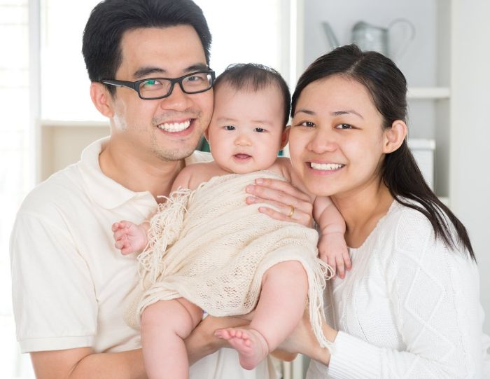 """Đứng đầu trong danh sách 8 group facebook dành cho mẹ bầu mà chúng tôi muốn chia sẻ đến bạn đó chính là """"Làm cha mẹ - cộng đồng cha mẹ Việt Nam"""""""