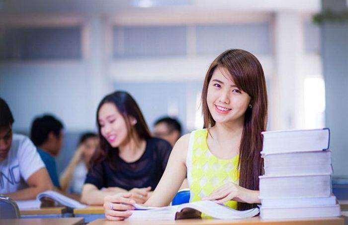 Ôn Thi Đại Học Cấp Tốc là 1 trong 8 group facebook dành cho tuổi teen