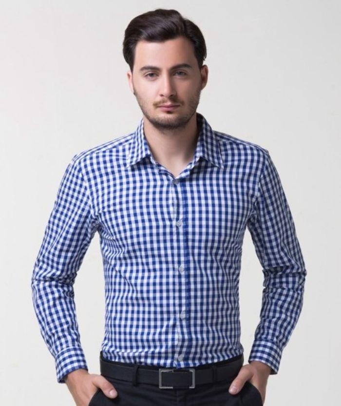 Chọn form áo vừa vặn là một trong những cách chọn áo sơ mi nam nhỏ con