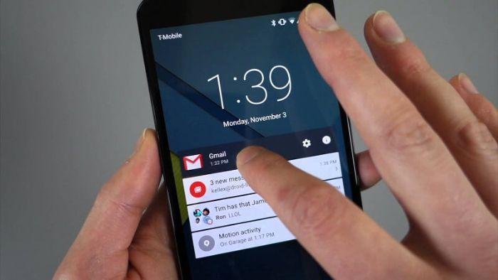 Vấn đề loạn cảm ứng điện thoại cũng có thể là do tay của bạn đang bị ẩm ướt do nước hoặc mồ hôi
