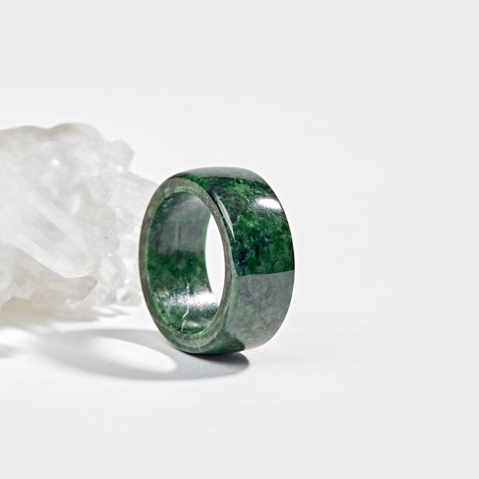 Bạn cũng có thể lựa chọn cho mình một chiếc nhẫn đá trơn
